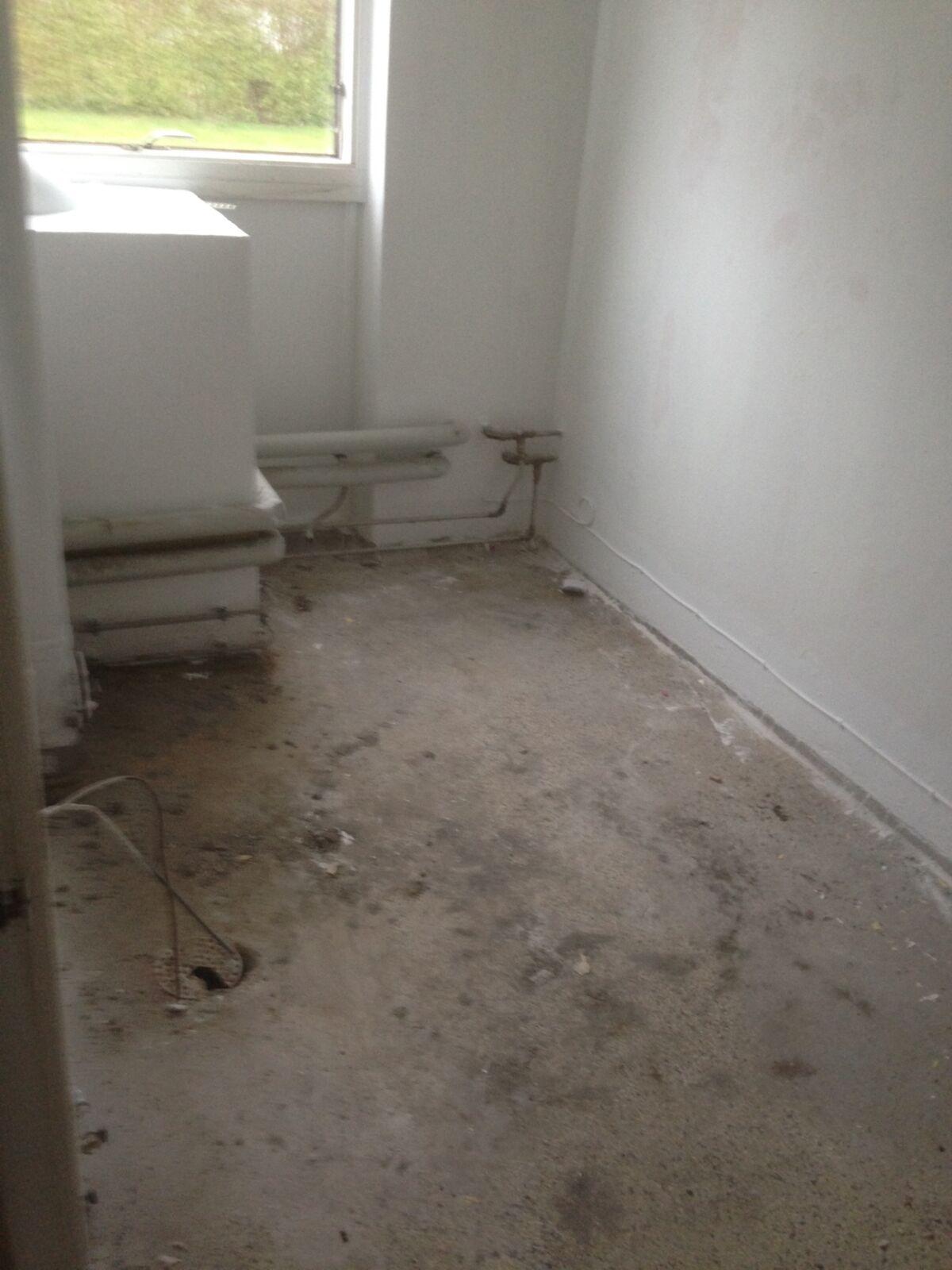 Badeværelsegulv renovering